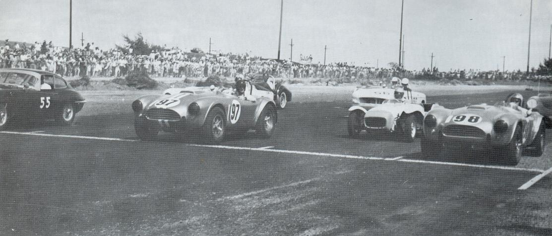 Dave MacDonald pilots Shelby Cobra CSX2136, 1963 Hawaiian Grand Prix