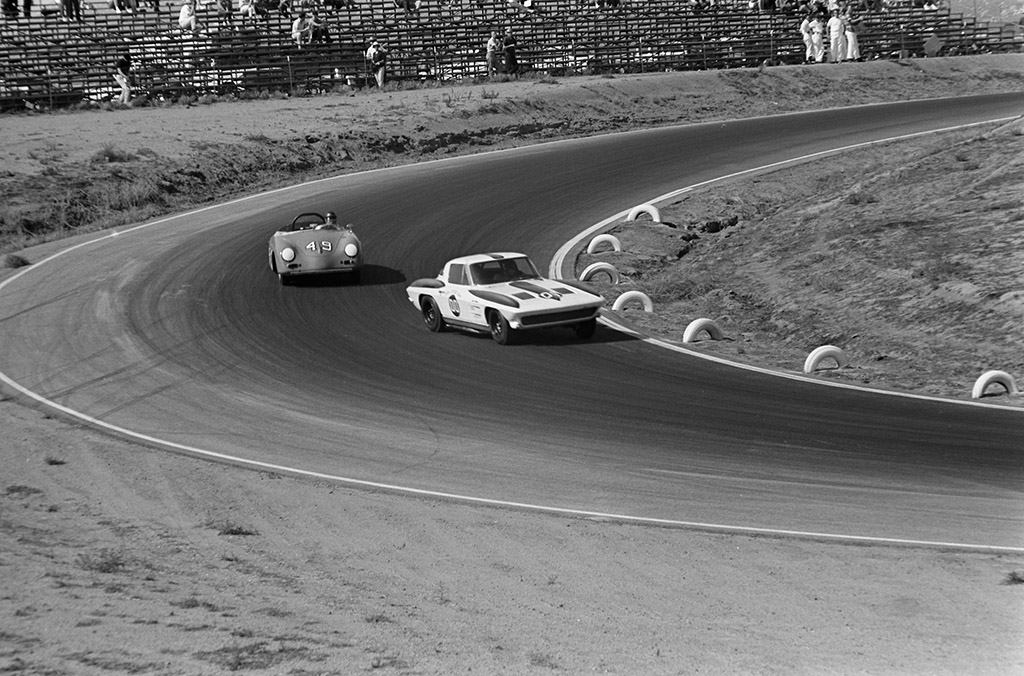 Dave MacDonald in 1962 riverside practice driving his 1963 Stingray #684