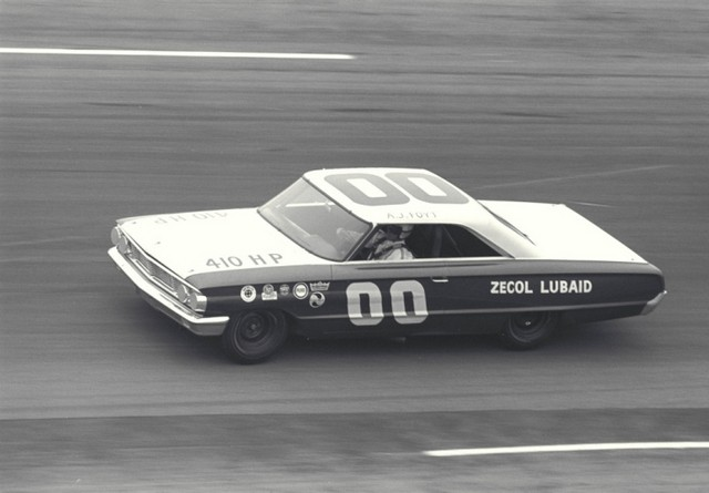 AJ Foyt running 8th in Banjo Mathews Ford in Atlant 500
